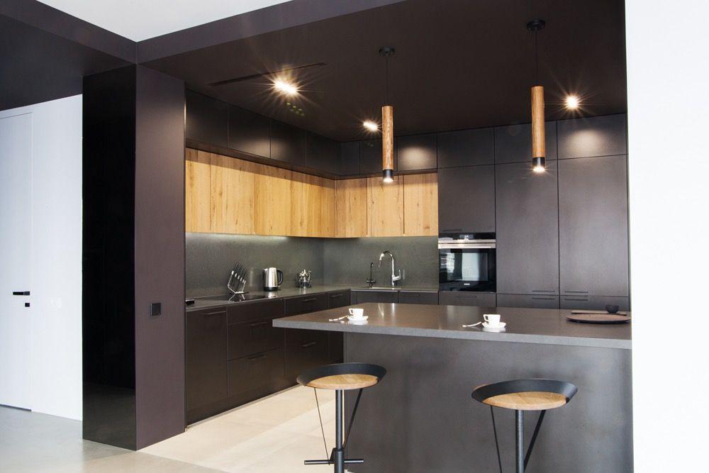 Видова 4 кімнатна квартира на Позняках с дизайнерським ремонтом