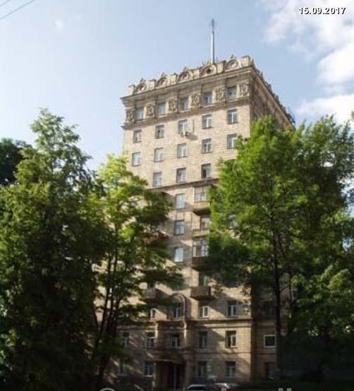 Высотная сталинка с лифтом, в центре Киева. Кловский Спуск